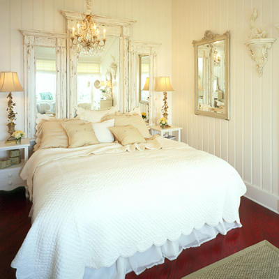 Terrific The Whites Shabby Chic Loft Bedrooms In Shades Of Whites Download Free Architecture Designs Grimeyleaguecom